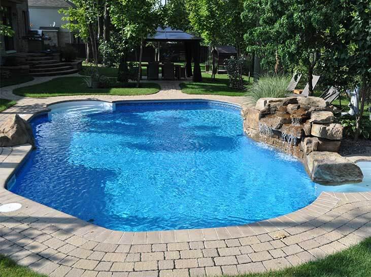 Piscine creus e de piscines ren pitre - Cascade pour piscine ...